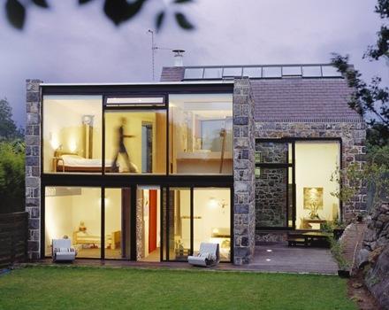 construccion-casa-reforma-vivienda-con-muro-de-piedra