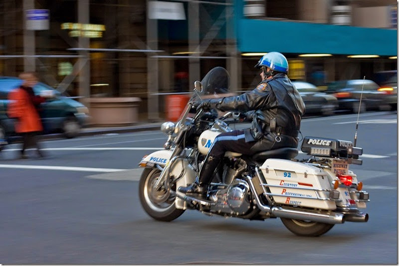 Police_Motorcycle_motion_blur_in_Manhattan_NYC