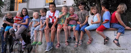 Tegoroczny obowiązkowy zestaw dziecięcy - murku zabrakło
