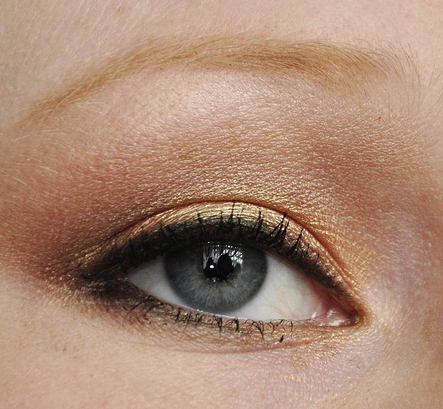 wearable lion king inspired makeup tutorial FOTD natural naked palette disney