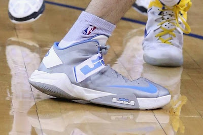 nike zoom soldier 6 pe kosta koufus nuggets 1 01 Wearing Brons: Kosta Koufus and His Nuggets Soldier VI PE