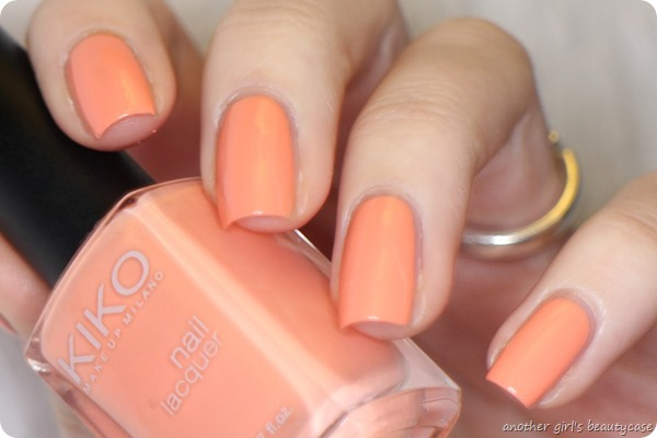 LFB Apricot 359 Light Peach Kiko swatch (2 von 7)
