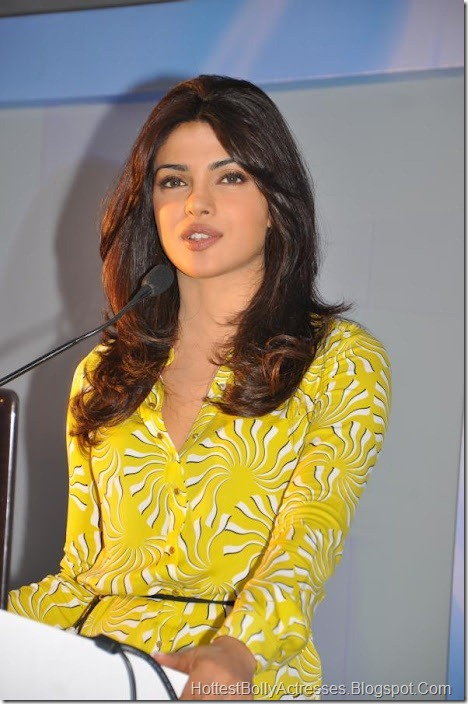 Priyanka Chopra Sexy Pics in Yellow Dress 3