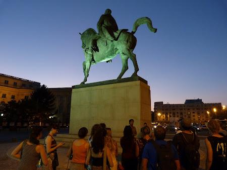 Obiective turistice Bucuresti: statuia lui Carol I