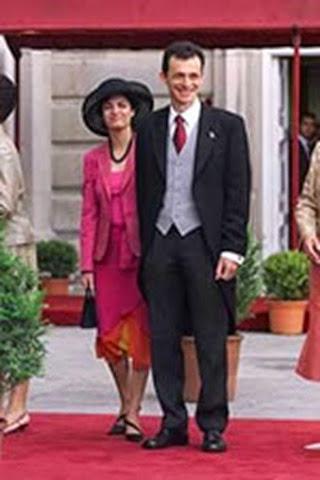 El astronauta Pedro Duque junto a su esposa