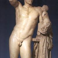 48.- Praxíteles. Hermes con el niño Dionisios.