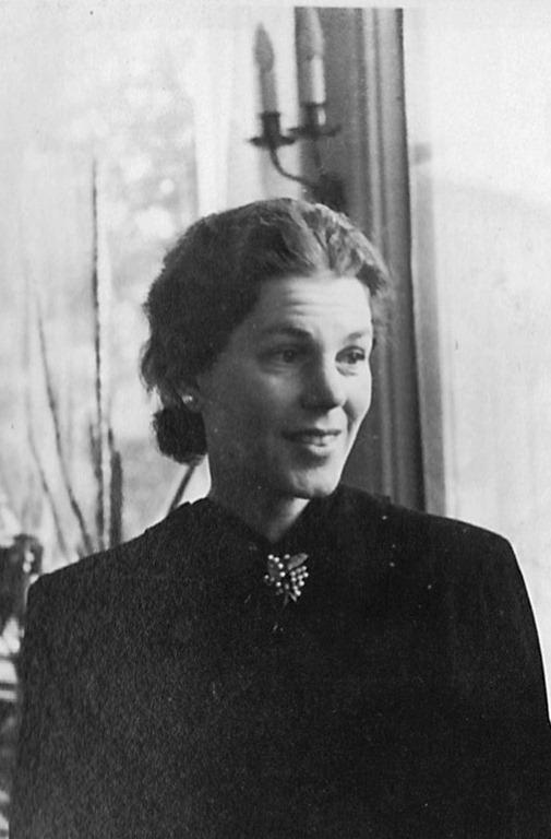Estelle Manville Bernadotte 1944
