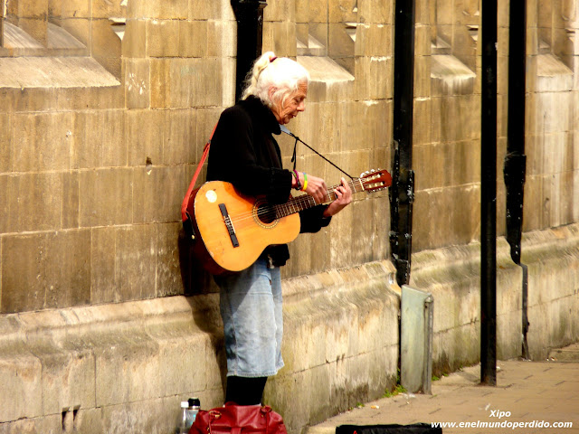 musico-callejero-cambridge.JPG