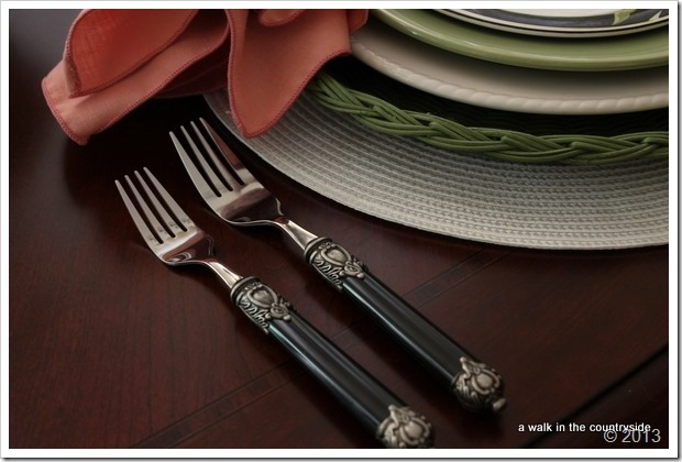 black flatware from Amazon