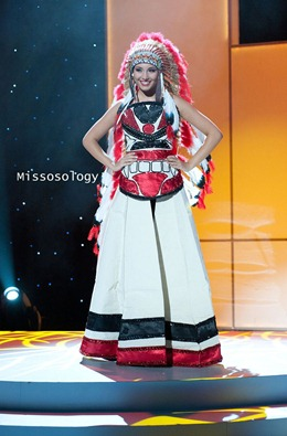 miss-uni-2011-costumes-33