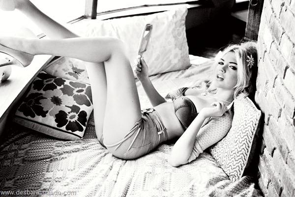 kate-upton-linda-sexy-sensual-sedutora-bikine-biquine-lingerie-boobs-blonde-desbaratinando (158)
