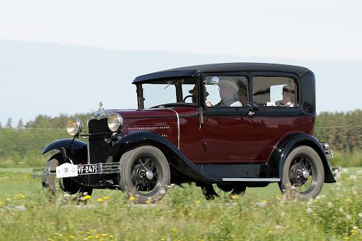 FORD A TUDOR -- 1929