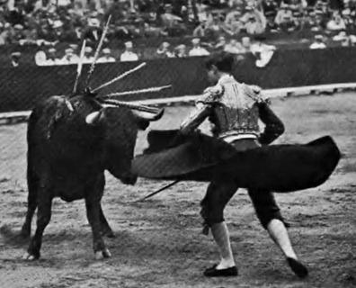 1909-06-10 (Los toros y el teatro) Bombita pase famoso
