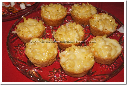individual maccaroni and cheese servings