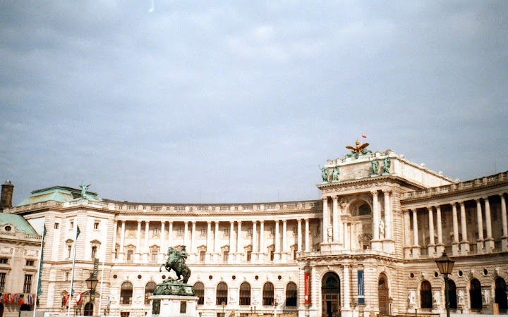 2. Hofburg.jpg