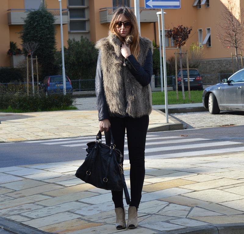 Sisley, True Religion, Jeans, Jeans shirt, Miu Miu bag, Vintage, Prada, Prada shoes, Miu Miu, fashion blogger, italian fashion bloggers, fashion blogger italiane, fashion blogger firenze, leggings, True Religion leggings