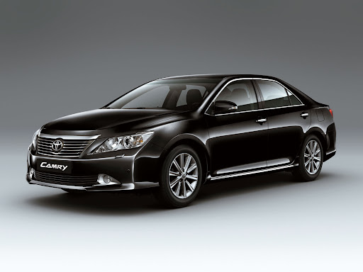 2012-Toyota-Camry-05.jpg
