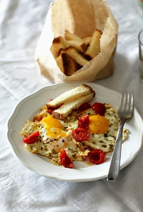 uova origanoe pomodorini1