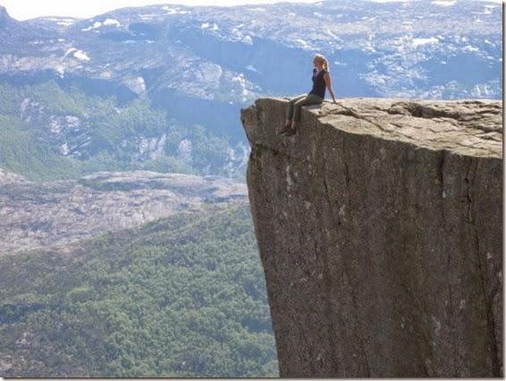 incredible_cliff_of_preikestolen_640_05