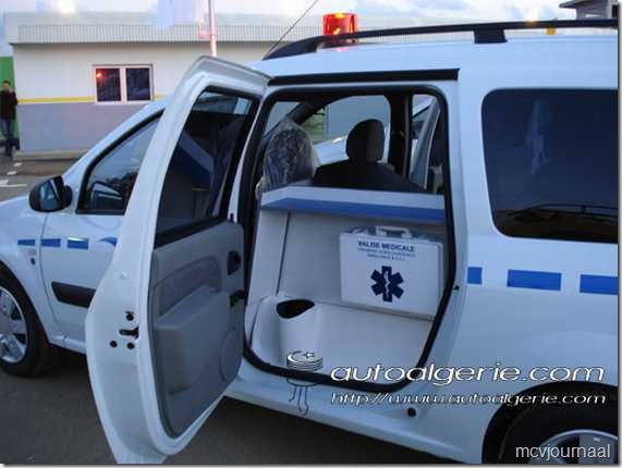 Dacia als ambulance 04