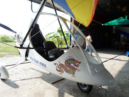 Imagini Nepal: light plane Pokhara
