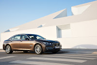 2013-BMW-7-Series-18.jpg