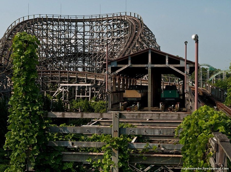 wooden-rollercoaster-8
