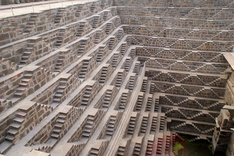 chand-baori-1