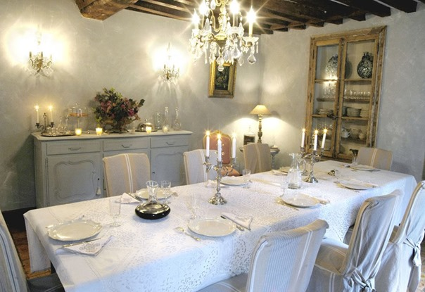mmlalouviere-bnb-chambres-dhotes-salle-a-manger