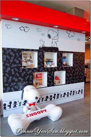 Charlie Brown Cafe (35)