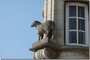 リール市のシンボルの羊