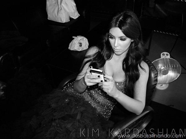 kim-kardashian-linda-sensual-sexy-sedutora-boob-peitos-decote-ass-bunda-gostosa-desbaratinando-sexta-proibida (5)