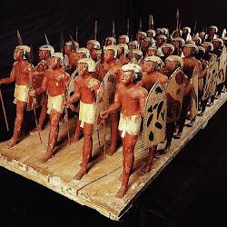 47 - Oushebti o pequeñas figurillas de terracota de una tumba de la XI dinastia