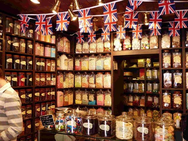 Sweet shop, Stratford