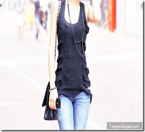 Fashion-girl-cute-gorgeous-jeans-cellphone-dressing