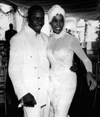 WhitneyHoustonmarriesBobbyBrown