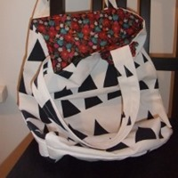 reversible triangle tote