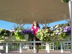 2012.08.17-014 Stéphanie sur le kiosque