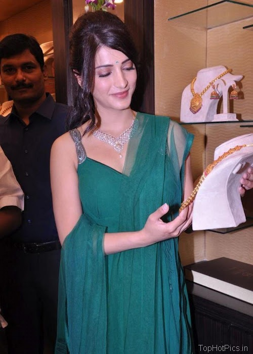 Shruti Hassan Hot Navel Photos 2012 3
