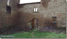 Entrada al Palacio de Guendaláin - Cendea de Cizur
