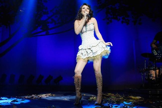 paula-fernandes-cantora-famosa-sertaneja-show