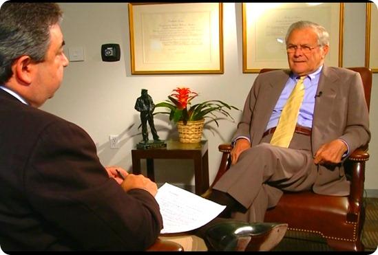 Luís Fernando Silva Pinto conversa com Donald Rumsfeld