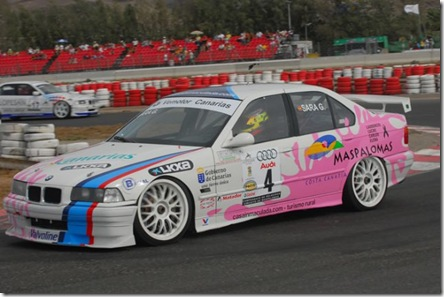 Sara-Garcia-BMW-320-ST_640x428