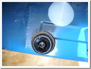 2011-07-01 Black Tank Plug 1