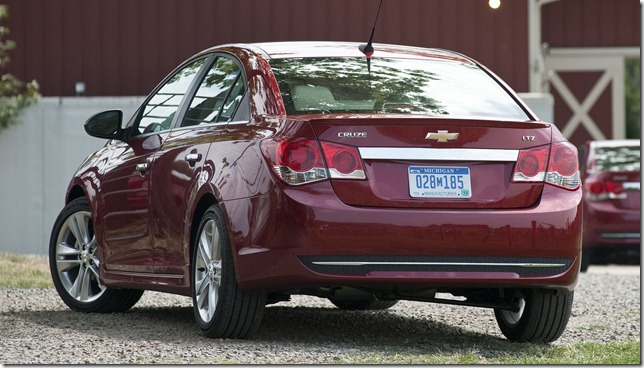 Chevrolet-Cruze_2011_1600x1200_wallpaper_55