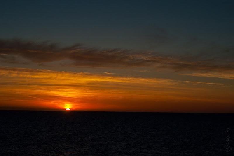 Первый день в круизе на Costa Concordia. Рассвет.