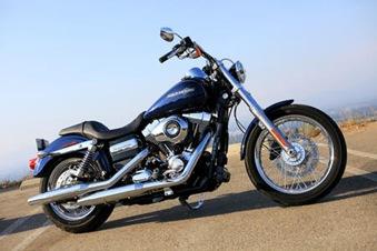 2012-Harley-Davidson-Dyna-Super-Glide.3