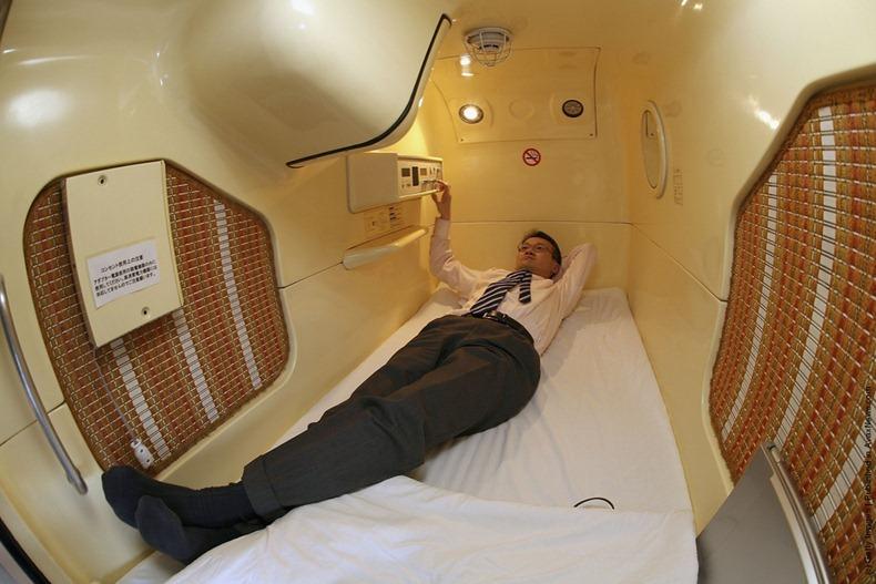 capsule-hotel-4