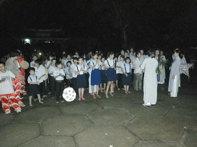 TrungThu2011KhanhVan_03.jpg