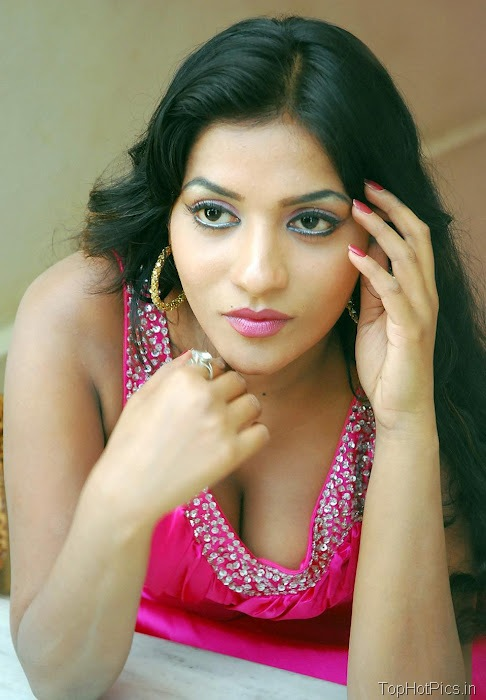 Anitha Reddy Pink Dress Pics 4